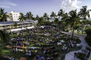 Free outdoor jazz concerts at Naples Beach Hotel